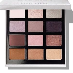 Bobby brown crystal drama eye shadow palette